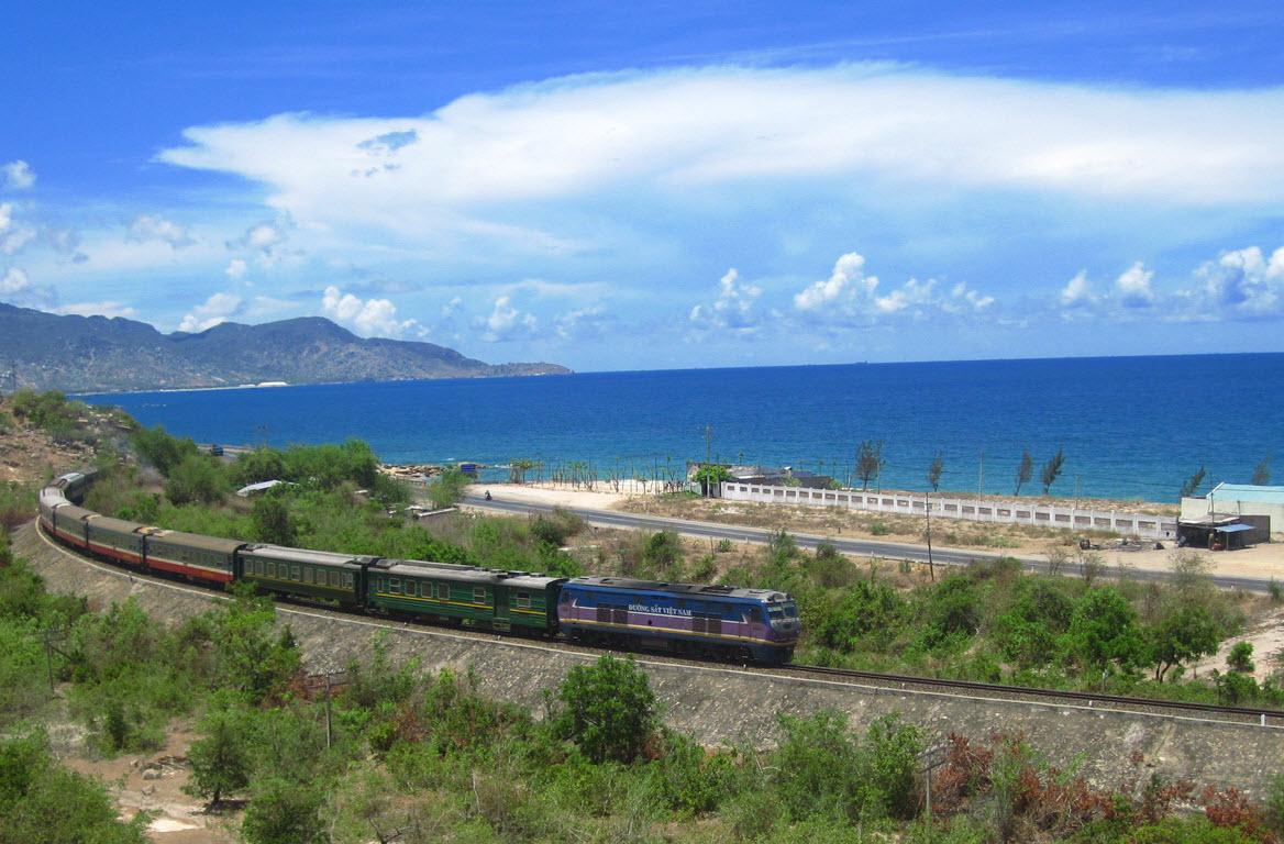 Chuyển phát nhanh đường sắt