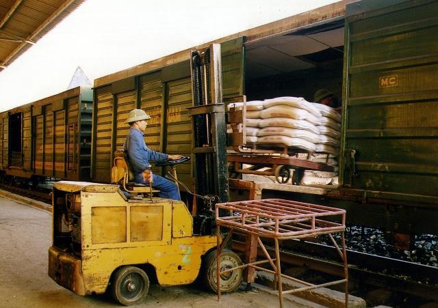 Vận chuyển hàng hóa nội địa bằng đường sắt giá ưu đãi, dịch vụ tốt